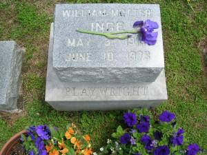 035 Inges grave 2