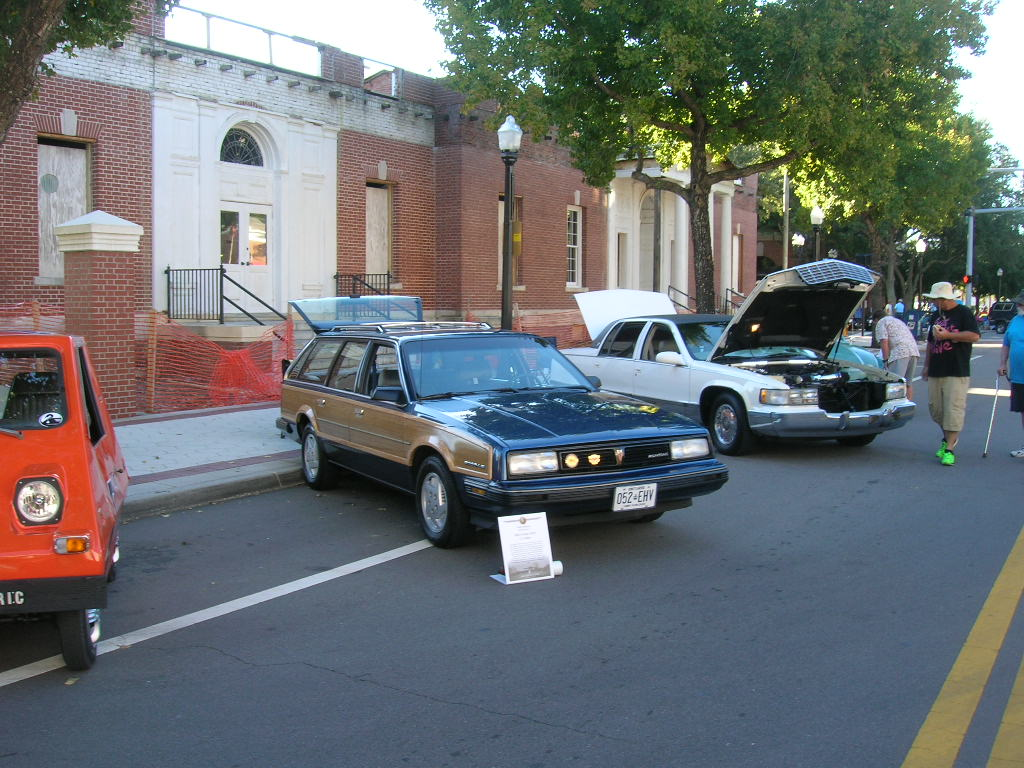 Hemmings Classic Car Magazine: Bark Bark Woof Woof