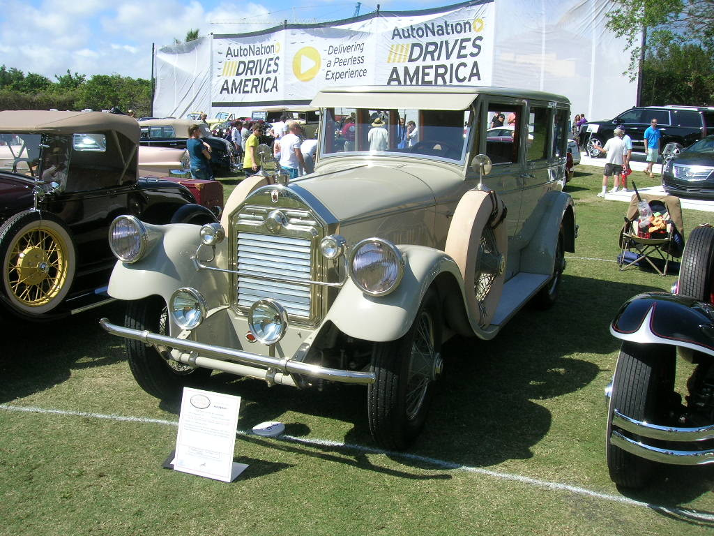 1928 Pierce-Arrow.
